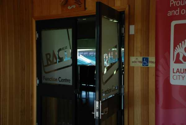 Ractfrosting To Glass Doors Tasmania