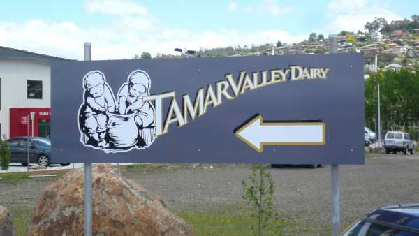 Tamar Valley Dairy Pole Sign